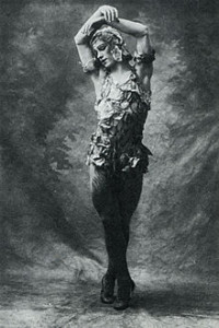 220px-Vaslav_Nijinsky_in_Le_spectre_de_la_rose_1911_Royal_Opera_House-200x300